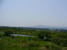 同じ川でも、多摩川よりも山が ...