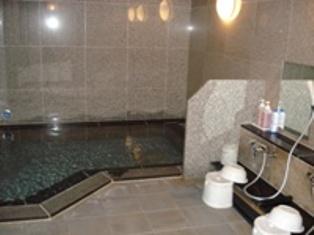 0614man_public_bath.jpg